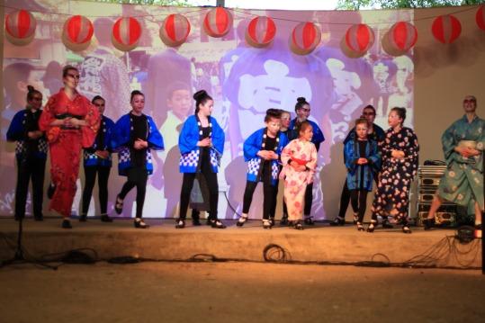 o-bon-dancing-17